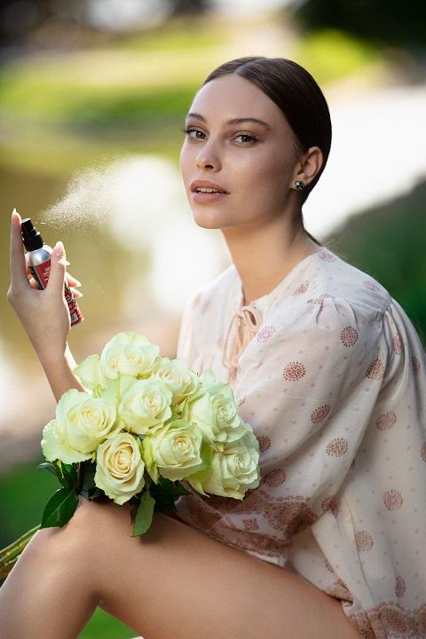 graži skaisti oda damaskine roze